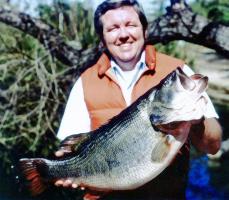 1980 Ray Easley caught a 21-pound 3-ounce bass from Lake Casitas