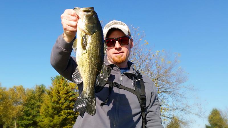 AJ Hauser 3 lb Largemouth Bass on a Damiki Air Frog