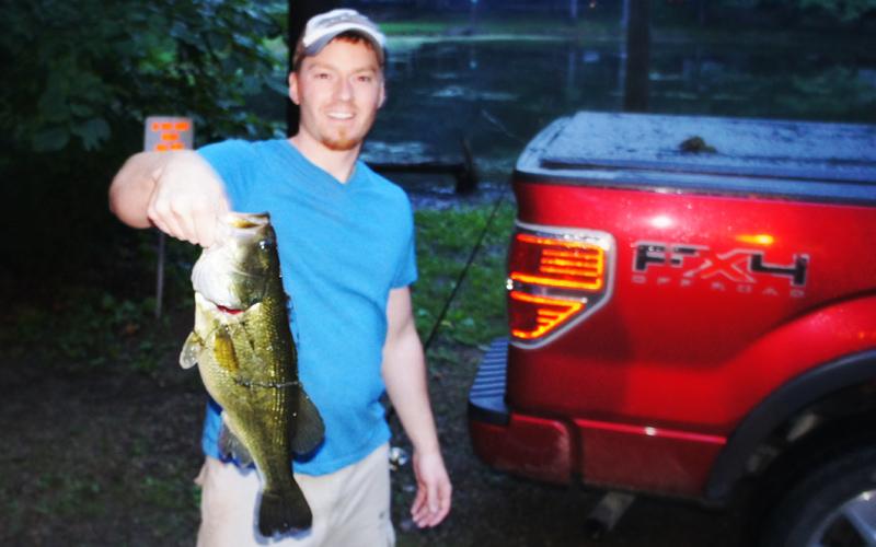 AJ Hauser Illinois Largemouth Bass Fishing